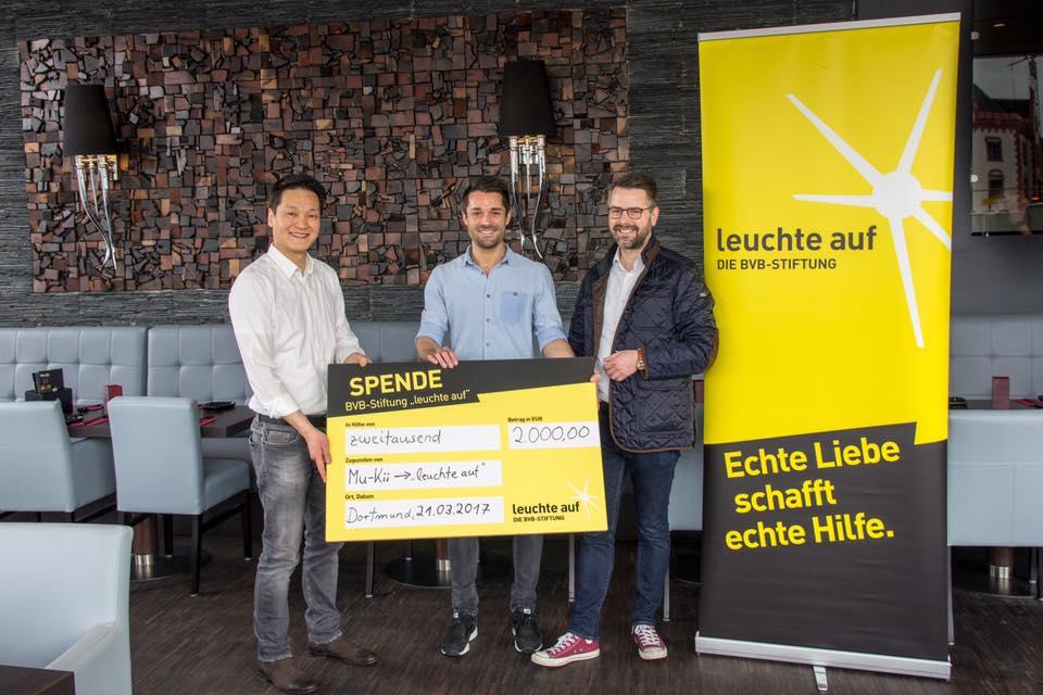 """2000€ an die Stiftung """"leuchte auf""""!"""